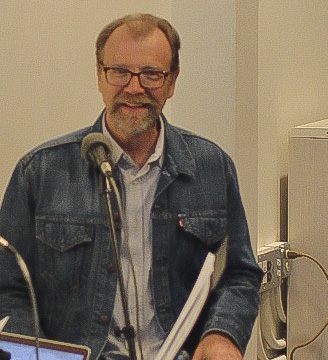 George Saunders Meets with Local Writers